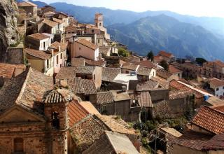 Ever dreamed of opening an artisan boutique and Settling down for good in an idyllic village in Italy's Deep south where it's warm almost all year-round -- And get paid to do it?  Let's see the full interesting Story Of this village with me. Click Here For More Info- https://adshrink.it/bowrsT
