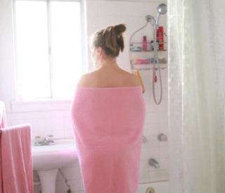Fotos sorpresa de ducha desnuda