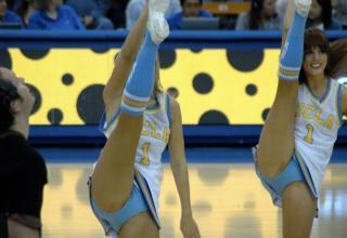 cheerleaders high kick