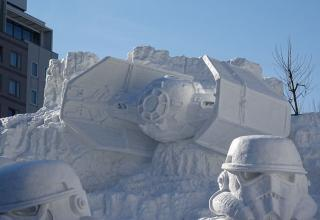 Japanese build a awesome Star Wars Snow Sculpture for the 66th Sapporo Snow Festival.