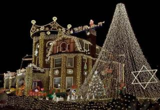 Might Be Bit Early For Holiday Lights >> Amazing Christmas Lights Gallery Ebaum S World