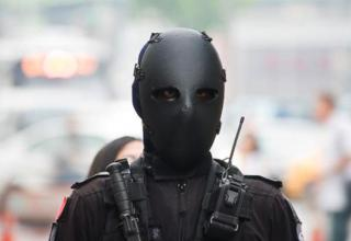 This is the new Taiwanese special forces uniform. It features bulletproof armor and a ballistic face mask that make soldiers look like fetishists.
