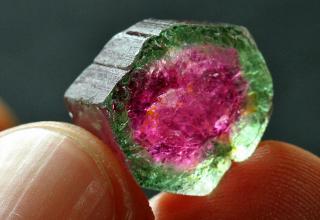 colores de las piedras preciosas en venezuela