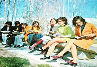 Astounding photos showing Iran when it was still normal.