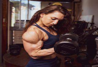 a female weightlifter