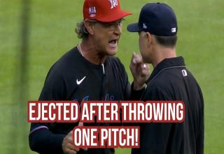 don mattingly aruging with an umpire